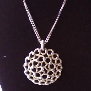 """Beautiful Vintage """"Monet"""" Silver Pendant Necklace."""